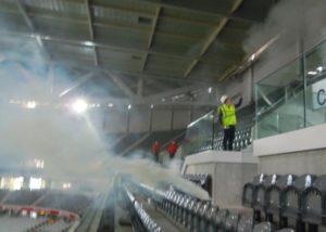 Etude fumigène dans un stade de foot